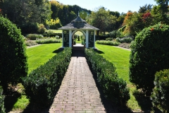 Formal-Time-Honored-Garden-